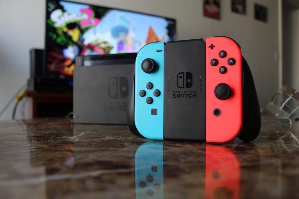 https://soukboard.com/wp-content/uploads/2020/07/nintendo-switch-3953601_1280-960x639_c.jpg